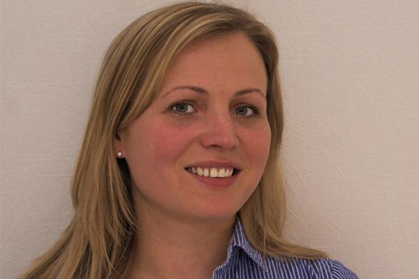 Irina Tortora, Steuerfachangestellte